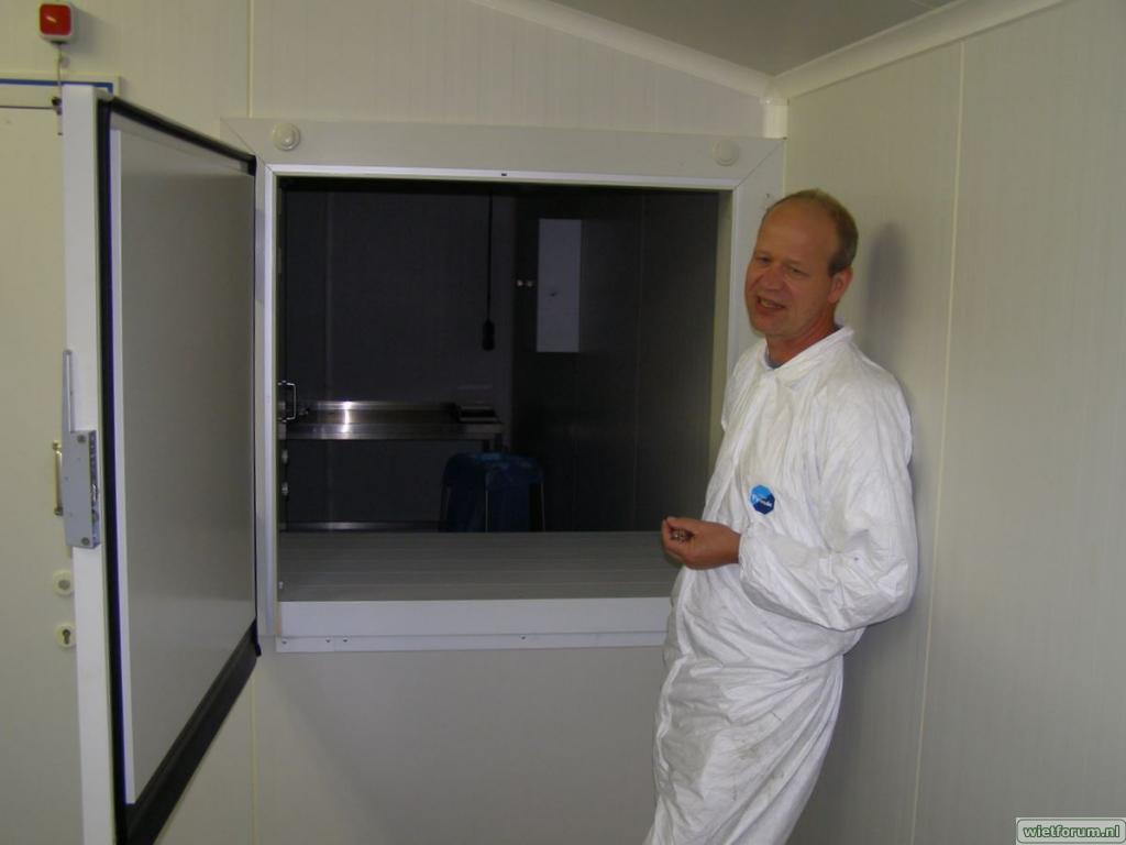 In visita presso lo stabilimento di produzione Bedrocan